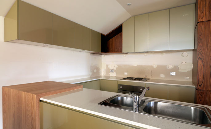 Melb kitchen prior to VR Art Glass Splashback