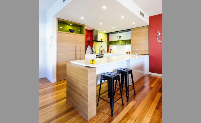 Melbourne kitchen with printed VR Art Glass Splashback