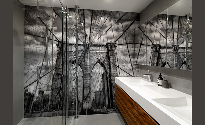 Bathroom design with wall sized VR Art Glass printed glass feature by Visual Resource