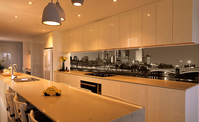 vr-art-glass-melbourne-skyline-photography-on-printed-glass-for-kitchen-splashback